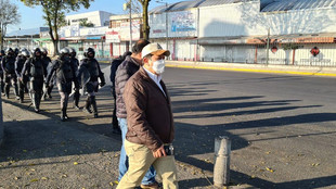 "Va otro operativo ""sorpresa"" contra ambulantes en la zona terminal-mercado en Toluca"