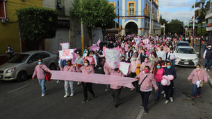 En Texcoco se suman más de 500 mujeres a rodada y caminata de lucha contra el cáncer