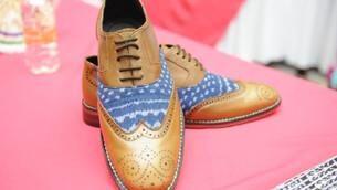Artesanos de San Mateo Atenco innovan en líneas de calzado