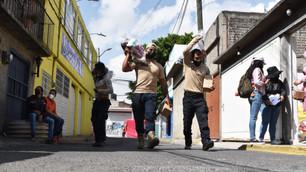 Llegan paquetes alimenticios y kits de higiene a colonias afectadas por la pandemia en Ecatepec