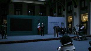 Se va la luz en Palacio Nacional; apagón interrumpe mañanera de AMLO