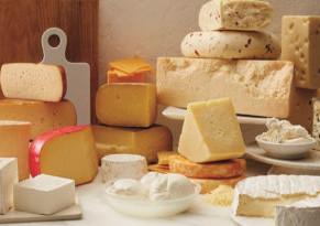 """Ordenan """"suspensión inmediata"""" de venta de 20 marcas de queso y yogurt"""