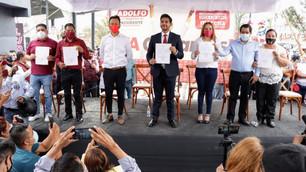 Recibe Adolfo Cerqueda constancia que lo acredita como alcalde de Nezahualcóyotl