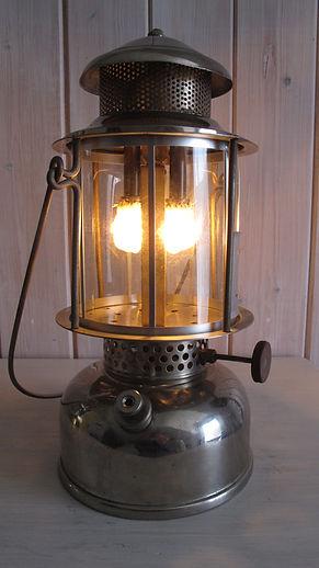 lampe pétrole Peebee