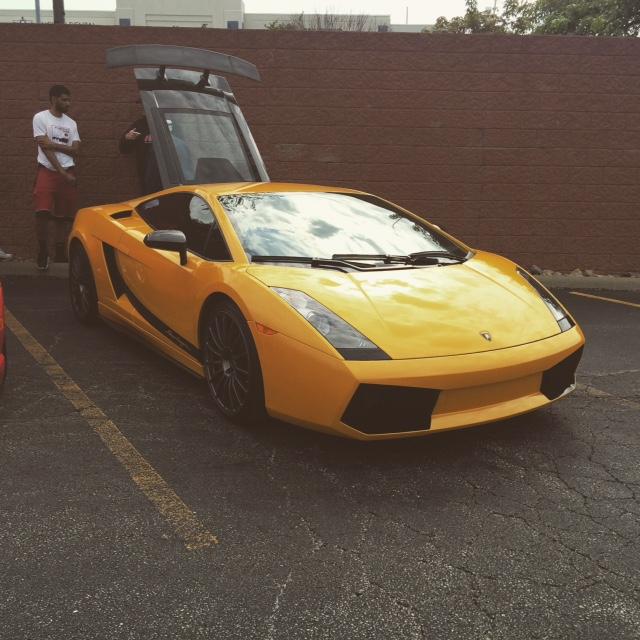 Giallo Midas Lamborghini