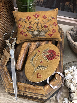 Summer Pomegranate Needle Book & Pinkeep by Stacy Nash Primitives