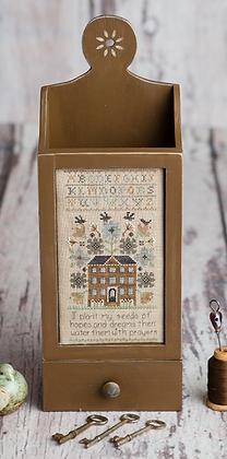 CARAMEL Pipe Box by Lone Elm Lane