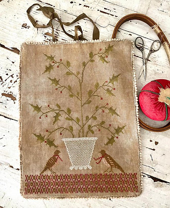 Holly Basket Sewing Roll by Stacy Nash Primitives