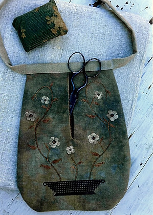 *Vining Flowers Sewing Pocket by Stacy Nash Primitives