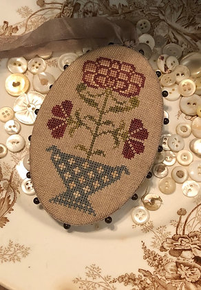 Red Hydrangea Pin Disk by Stacy Nash Primitives