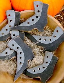 Witches Boot Thread Palette by Notforgotten Farm