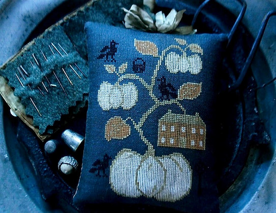 House On Pumpkin Hill Pinkeep by Stacy Nash Primitives