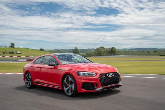 Audi RS5 encanta pela esportividade e também pela beleza