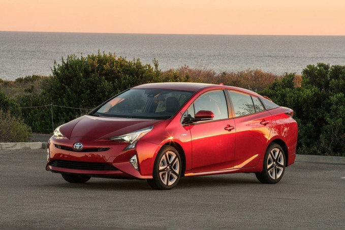 Toyota Prius tem recall por defeito no chicote elétrico