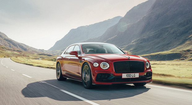 Bentley Flying Spur ganha motor V8