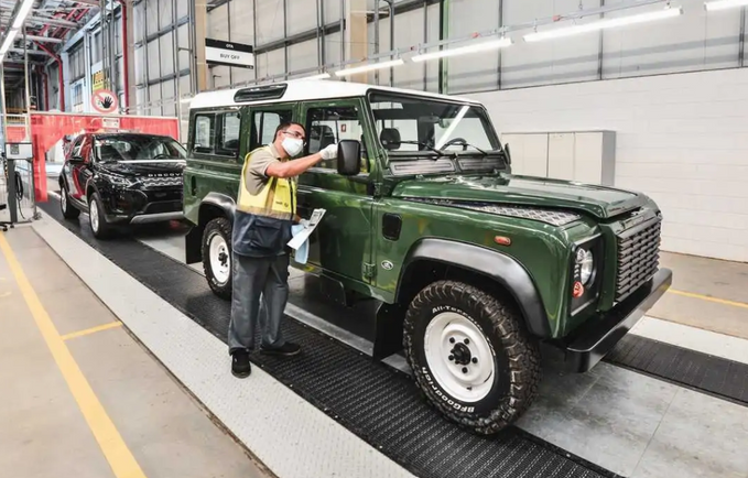 Land Rover inaugura centro de restauração de clássicos no Brasil