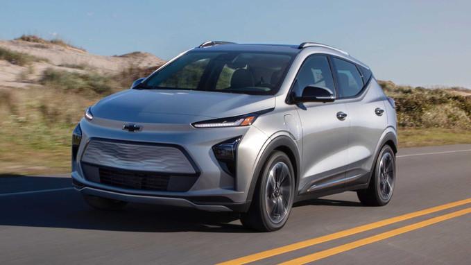 Este é o novo Chevrolet Bolt EUV, um SUV elétrico que também virá ao Brasil