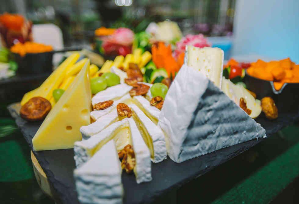 traiteur - la-perle-des-saveurs - plateau de fromage.jpg