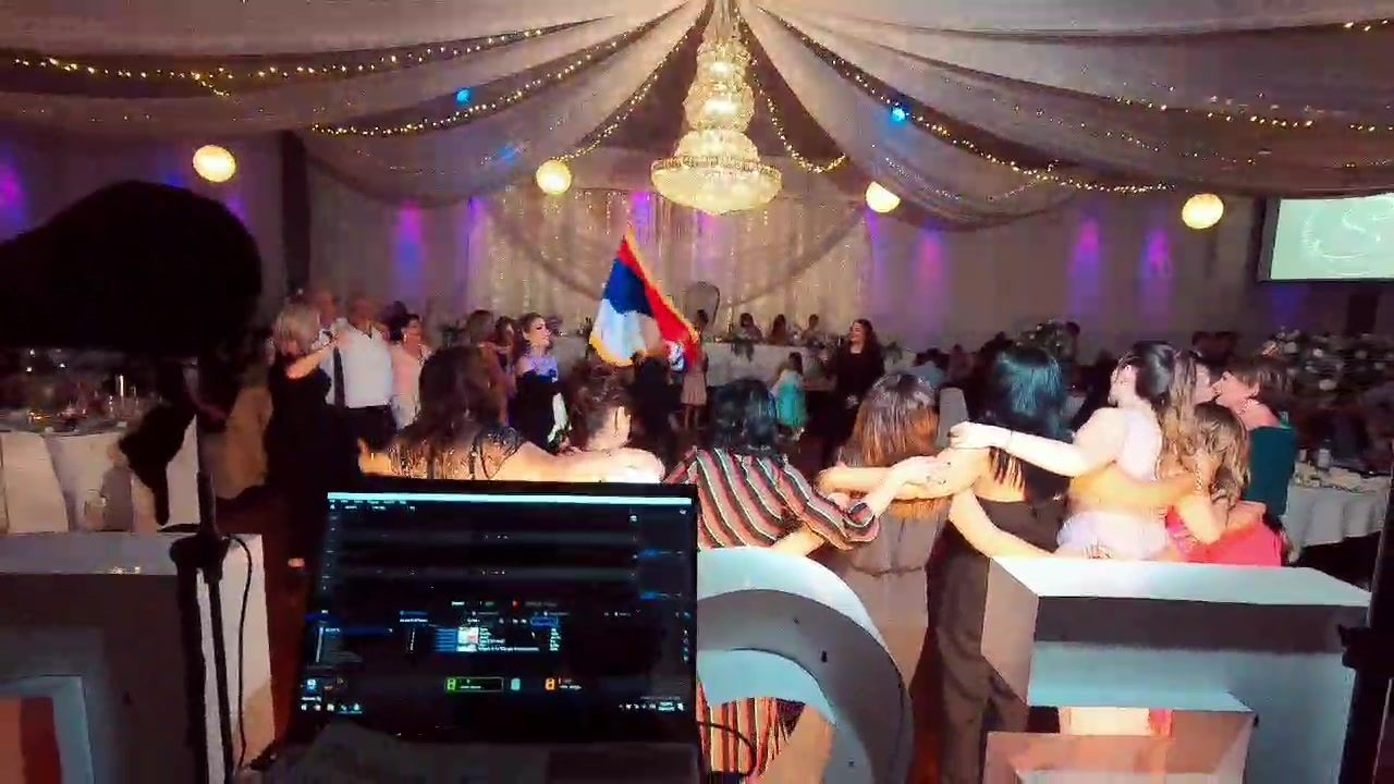 Snapshot of last night's wedding, English, Greek, Serbian, Pontian music  What a mix! #djstelio
