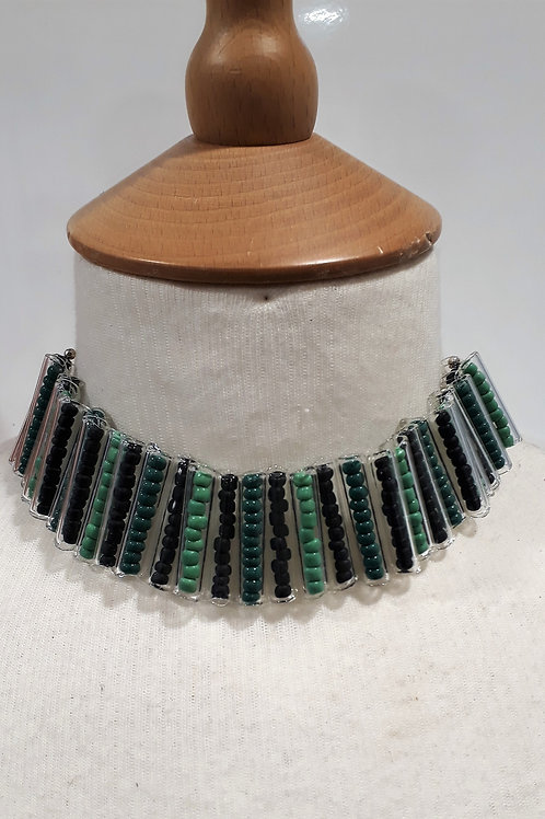 Green tube choker