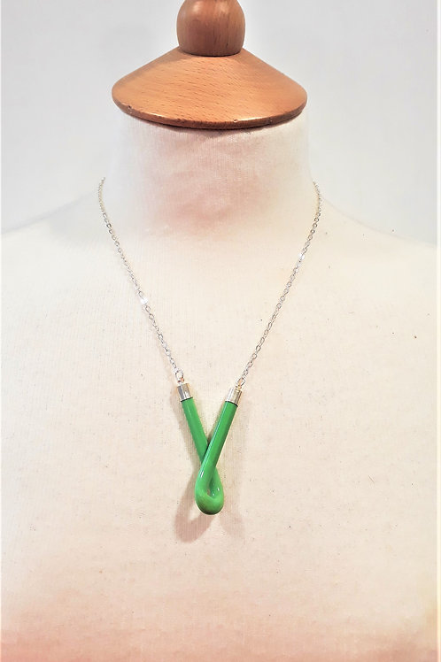 Green knot candy bar necklace