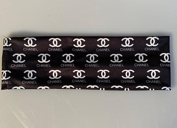Chanel black/White C's