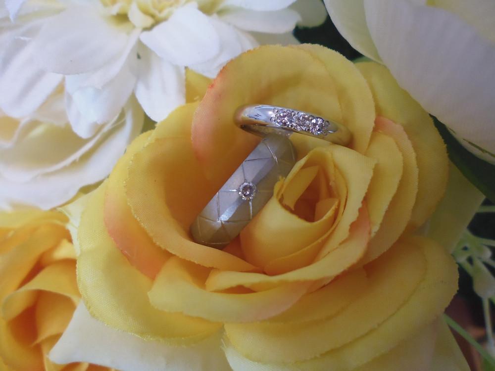 男性VS女性 違ってもいい結婚指輪