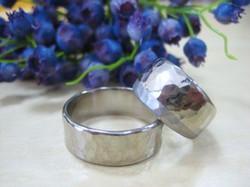 大好きな鎚目の指輪を・・・