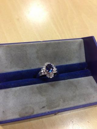 サファイヤの指輪