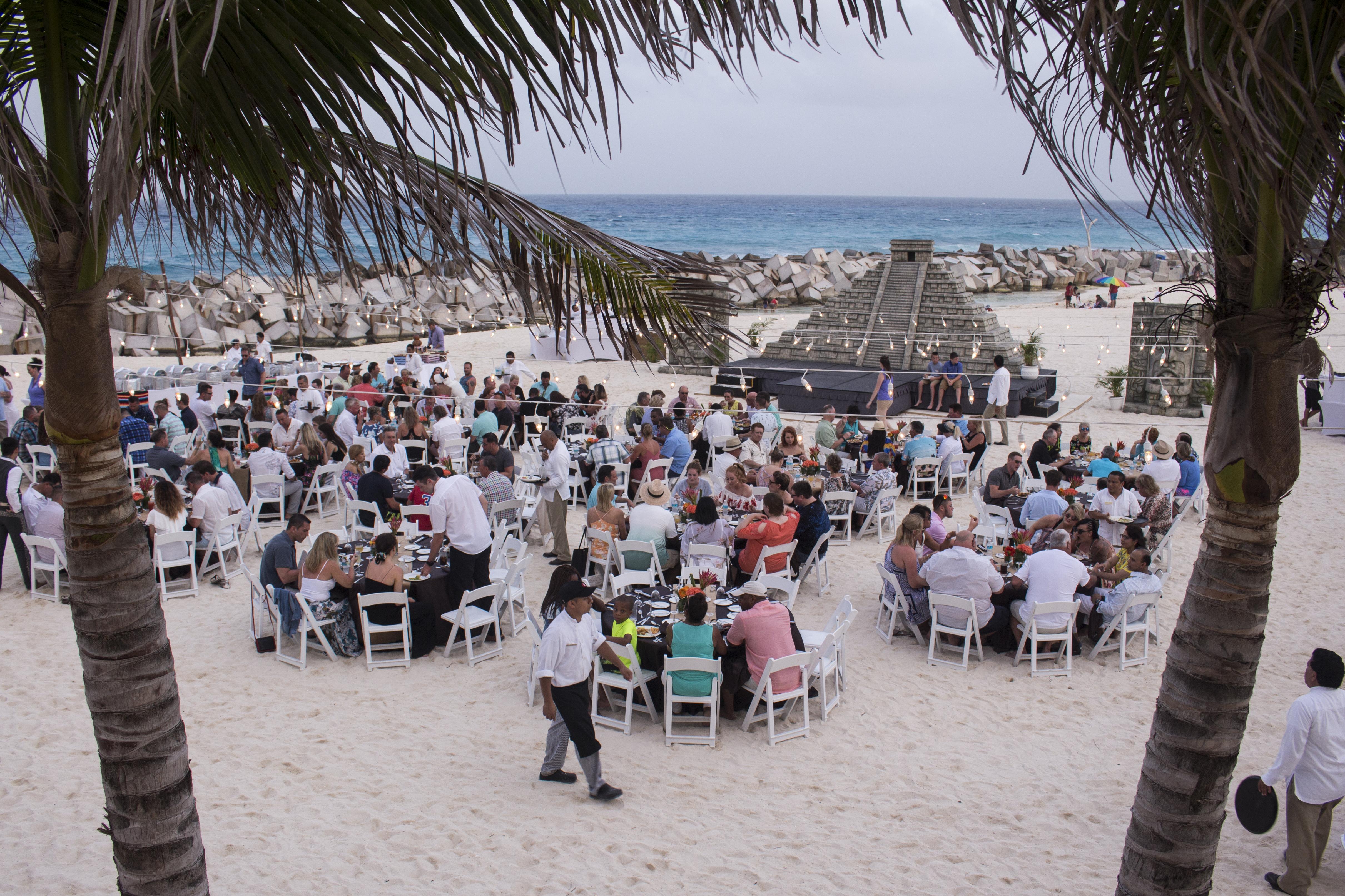 beach event between the palms