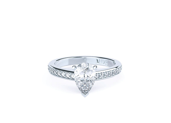 Platinum Ring with Pear Cut Diamond with Shoulder Diamonds