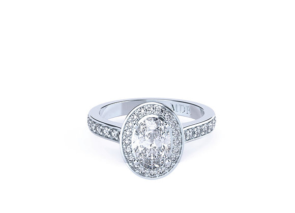 Oval-Cut Diamond Ring with aBeautiful Halo of Diamonds Crafted in 18ct White Go