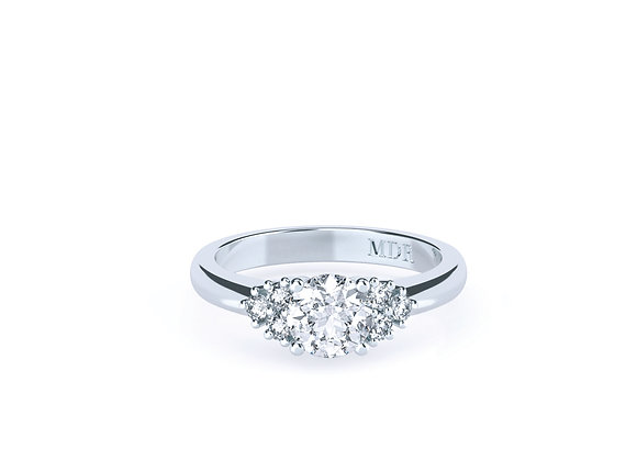 18carat Diamond Ring created with Elegance and Sophistication and Centre Diamond