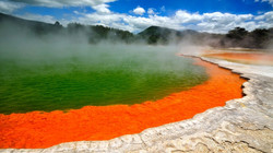 Geyser-Lake-Rotorua-New-Zealand