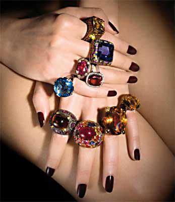 Modelo manos joyas