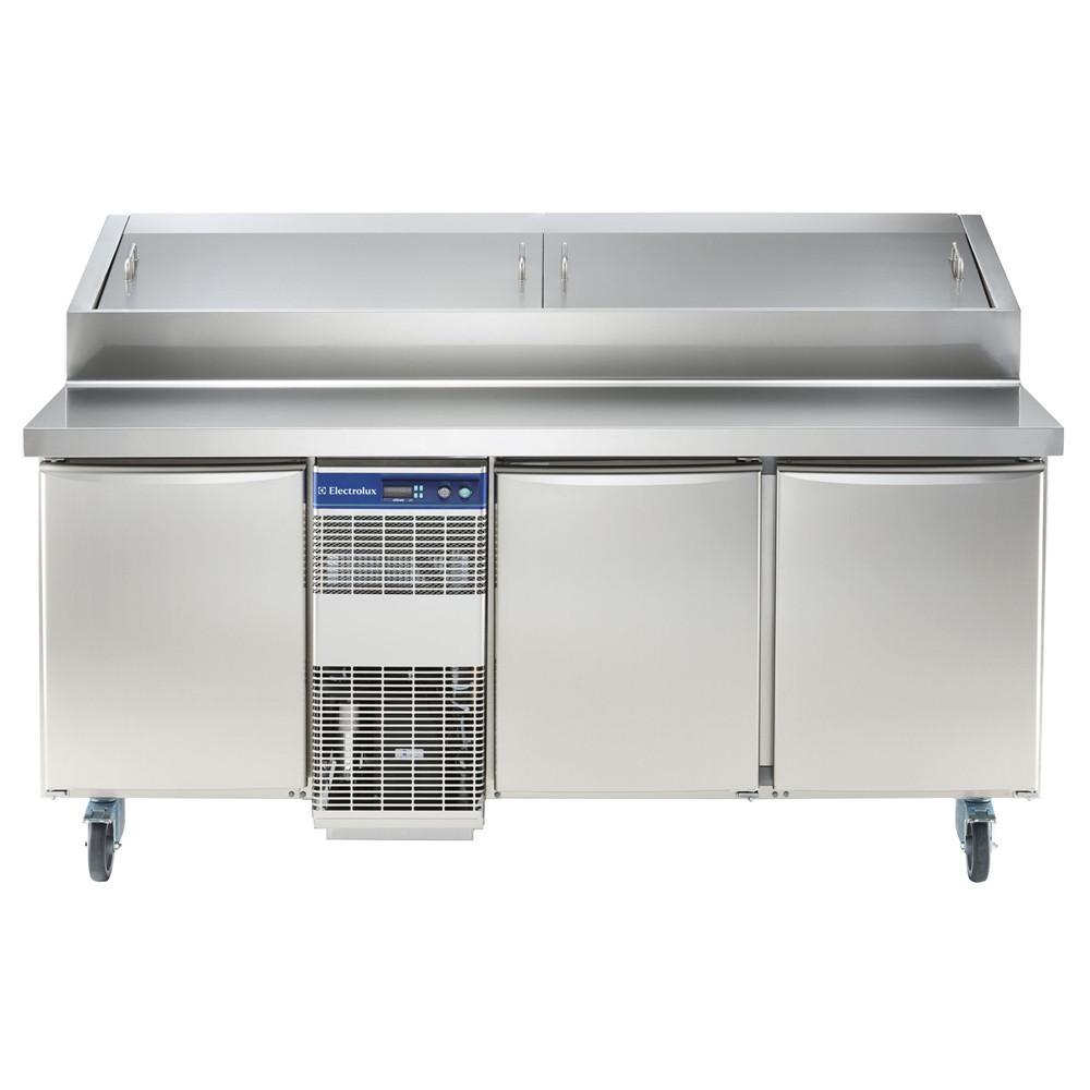 Especificações Elétrico Tensão de alimentação: 230 V / 1 ph / 50 Hz Consumo de energia (min, padrão): 0 - 12,26 kW / h Dados de Refrigeração Potência do compressor: 3/4 hp Tipo de refrigerante: R404a Potência de refrigeração: 1684 W Peso do refrigerante: 535 g Temperatura de operação mín .: 2 ° C Temperatura de funcionamento máx .: 4 ° C Informação chave: Capacidade bruta: 440 lt Dobradiças da porta: 1 esquerda + 2 direita Dimensões externas, Largura: 1759 mm Dimensões externas, Altura: 1121 mm Dimensões externas, profundidade: 856 mm Dimensões externas, Profundidade com portas abertas: 1110 mm Tipo de material externo: 304 AISI Tipo de material interno: 304 AISI Material dos painéis laterais internos: 304 AISI Compressor Embutido e Unidade de Refrigeração
