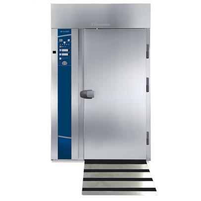 Resfriador rápido e congelador roll-in 180kg, 20GN 2/1, pré-configurado para unidade de resfriamento remoto, piso isolado e rampa com USB