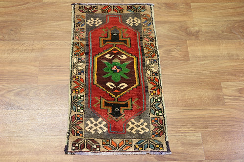 Excellent 1'6''x2'5'' Anatolian rug