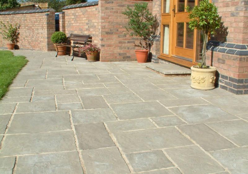 Courtyard-Paving-Old-Grey-1-9.jpg
