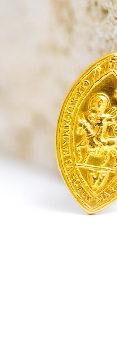 médaille saint-martin or jaune by Odyssea