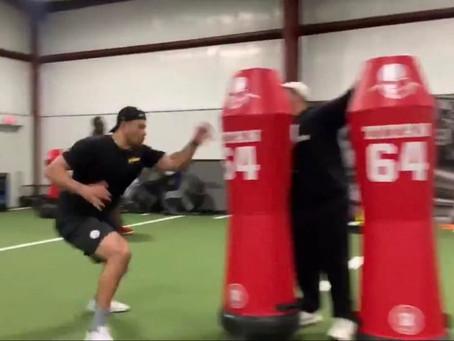 Alex Highsmith is training with pass-rushing coach Brandon Jordan this offseason
