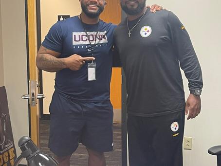 Maurice Clarett spoke with the Steelers rookies this week