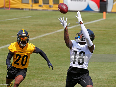 Diontae Johnson says people who doubt Ben Roethlisberger's arm strength are 'crazy'