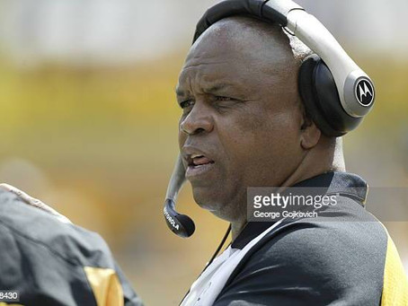 Longtime Steelers' tight ends coach James Daniel retires