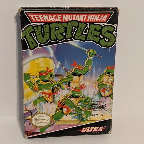 Teenage Mutant Ninja Turtles NES Cart w/ Extras by Ultra Games (works)