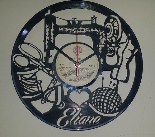 Relógio de parede em disco de vinil Costureira