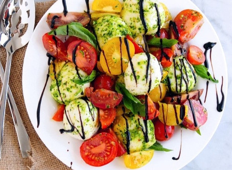 You Need To Try The Pesto Caprese Salad Now!