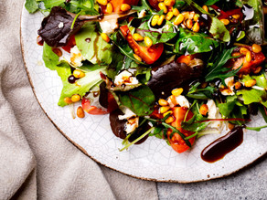 Simple yet Tasty Green Salad with Balsamic Vinaigrette