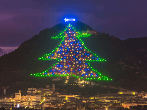 The Christmas Tree in Gubbio, a Real Magic Show