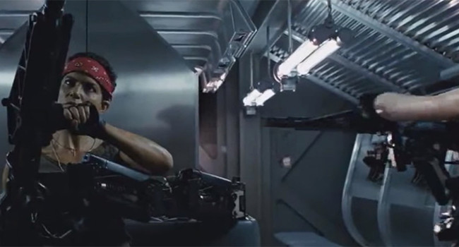 кадр из фильма Чужие
